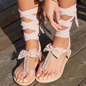 Jeslene Rinestone T-Strap Sandals In Nude